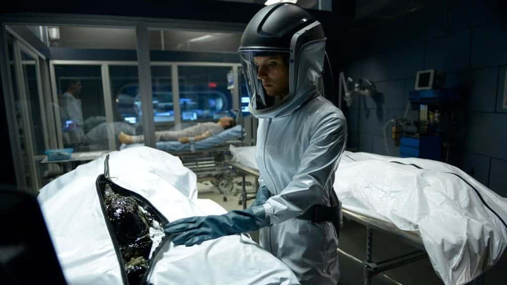 Série Helix - Séquence autopsie