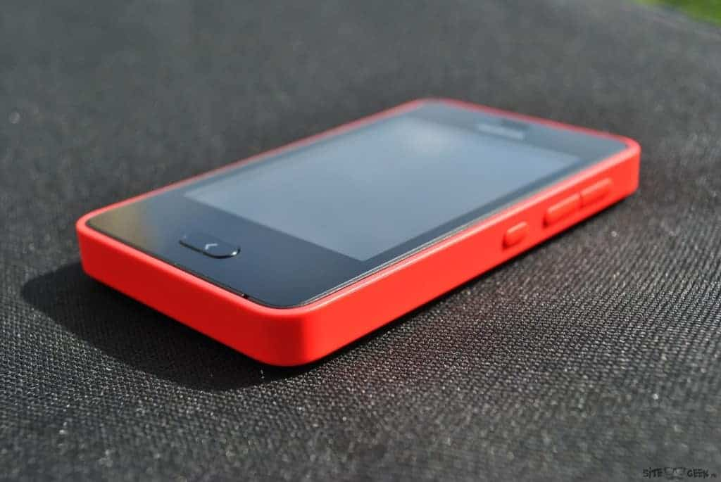 Nokia Asha 501 : Un design simple et efficace
