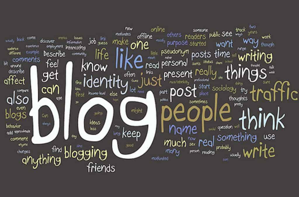 Devenir blogueur c'est endosser de nombreuses casquettes : webmarketing, journaliste, SEO, SMO, Community Manager, ...