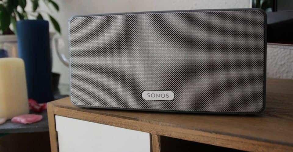 Sonos Play:3 - Son style légèrement rétro la rend indémodable. Mais que vaut-elle vraiment ?