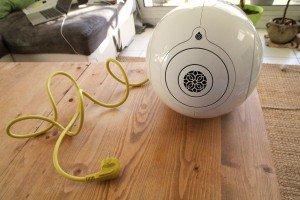 Devialet Phantom - Mais c'est quoi ce gros câble hideux ?