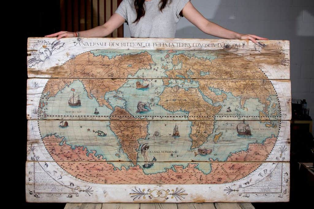 Une autre création de Christelle Cam Lion avec une carte du monde