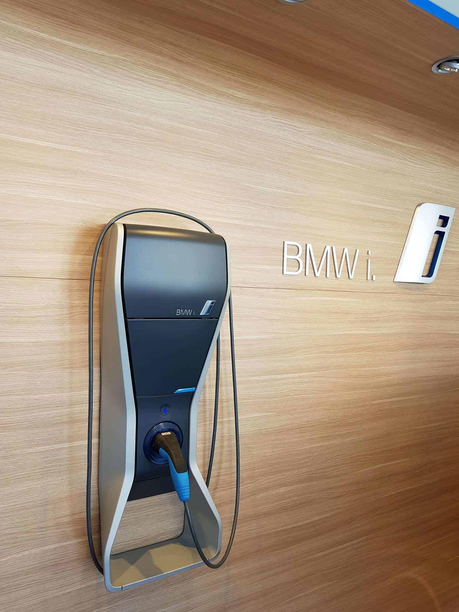 Test bmw i3s une voiture lectrique compacte et sportive for Garage pour bmw