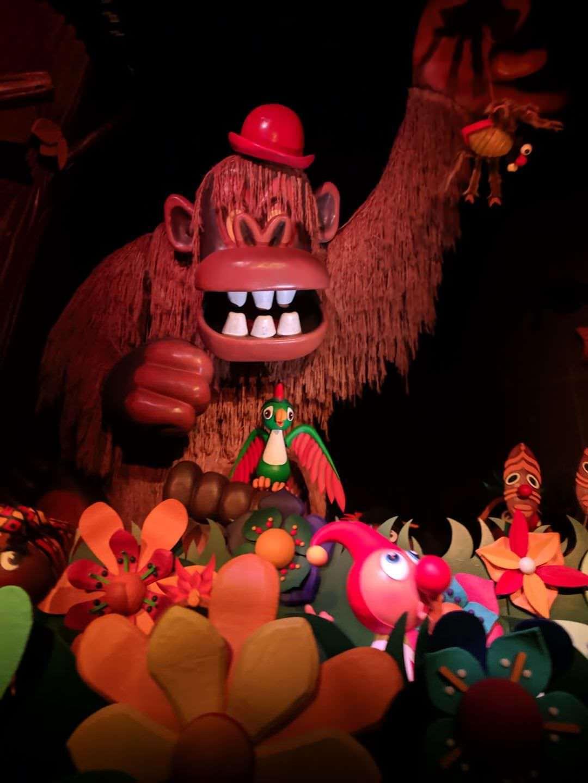 Efteling - Faut-il reconnaître Donkey Kong dans l'attraction Carnival?