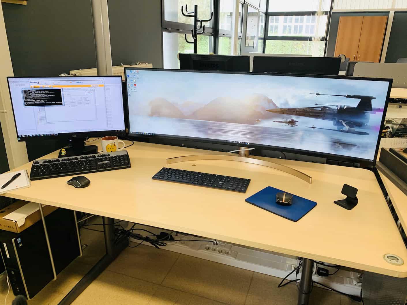 Dans mon cas impossible de mettre le LG49WL95C ailleurs que sur le bureau