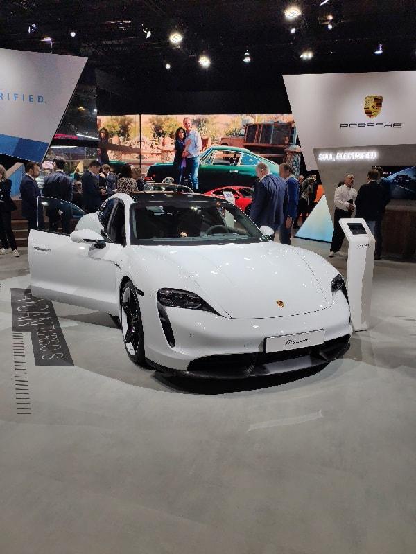 La Porsche Taycan est vraiment magnifique. À prix équivalent, largement mieux finie qu'une Tesla