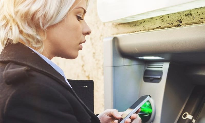 Comment charger sa carte bancaire en ligne sans virements