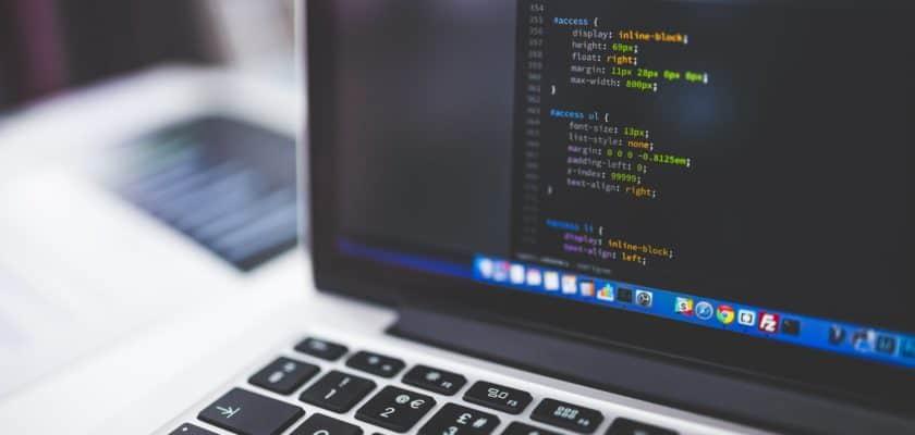 Devenir programmeur en apprenant en ligne